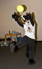 mnfurs-fursuit-throw-it-underhand